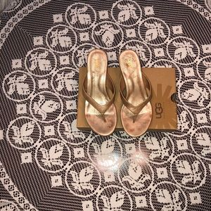 Ugg W Natassia gold and cork wedges - size 7.5